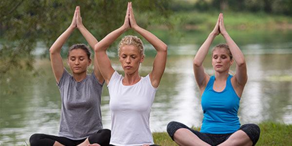 Yogagruppe_600x300.jpg